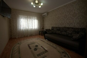 Дом для комфортного проживания, 80 кв.м. на 5 человек, 2 спальни, Советская улица, 66, Голубицкая - Фотография 2