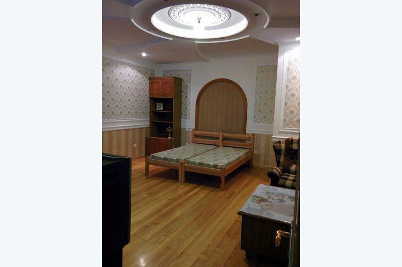 Домик  у кедра, Санаторная улица, 17 на 8 комнат - Фотография 10