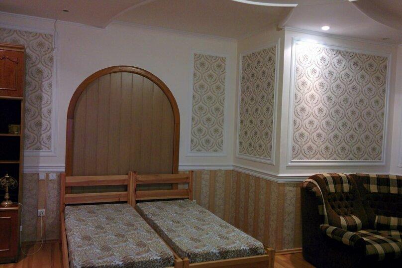 Домик  у кедра, Санаторная улица, 17 на 8 комнат - Фотография 12