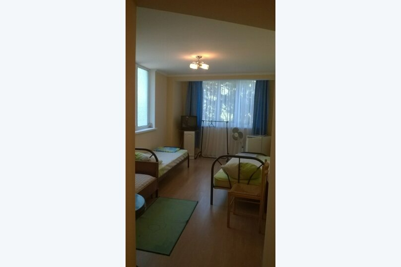 Домик  у кедра, Санаторная улица, 17 на 8 комнат - Фотография 18