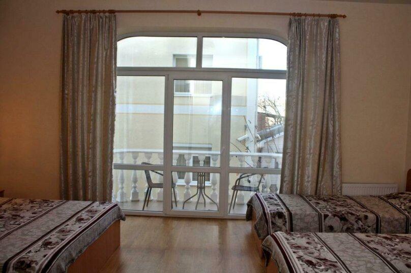 Четырёхместные номера с балконом №21. №22. №28.№31. №38., Новороссийская улица, 14А, Кабардинка - Фотография 1