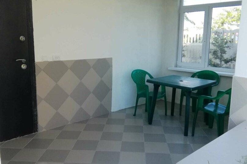 """Гостевой дом """"На Азове"""", Тупиковый переулок, 4 на 2 комнаты - Фотография 13"""
