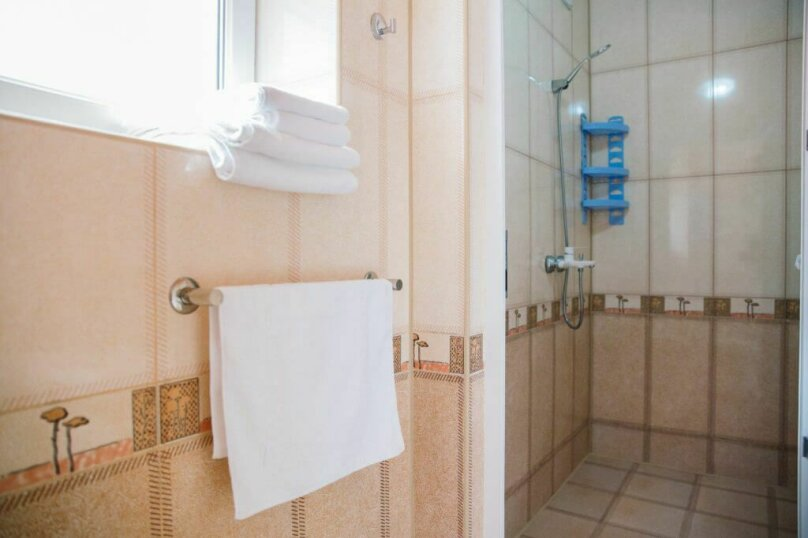 """Отель """"Red HOUSE"""", Севастопольская улица, 42 на 30 номеров - Фотография 43"""