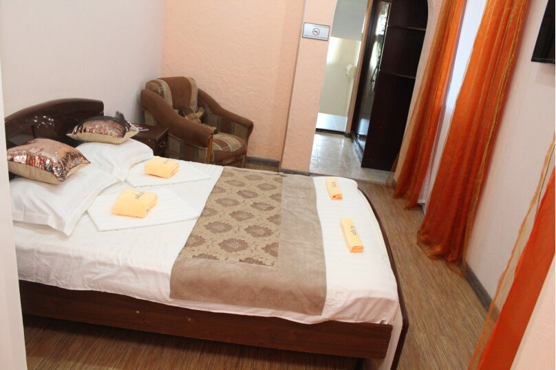 """Отель """"Saluton"""", Черноморская улица, 4Б на 20 номеров - Фотография 56"""