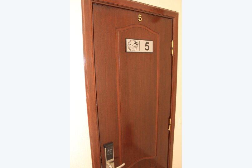 """Отель """"Saluton"""", Черноморская улица, 4Б на 20 номеров - Фотография 39"""