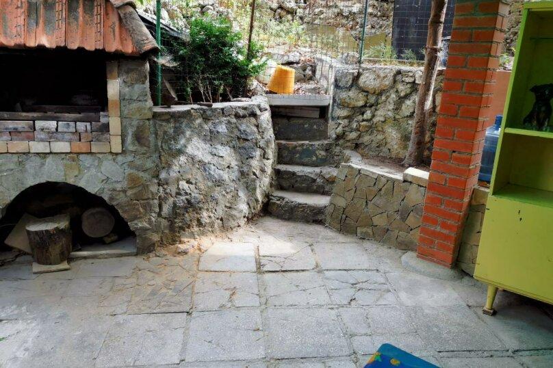 Домик в саду (1-комнатный 4-х местный), Алупкинское шоссе, 72Б, Гаспра - Фотография 1