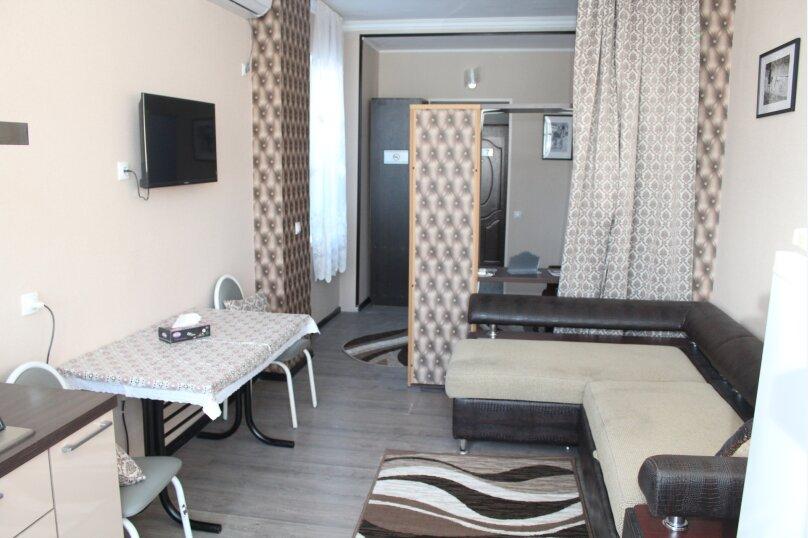 Четырехместный полу люкс с кухней № 7, Черноморская улица, 4Б, Дивноморское - Фотография 1