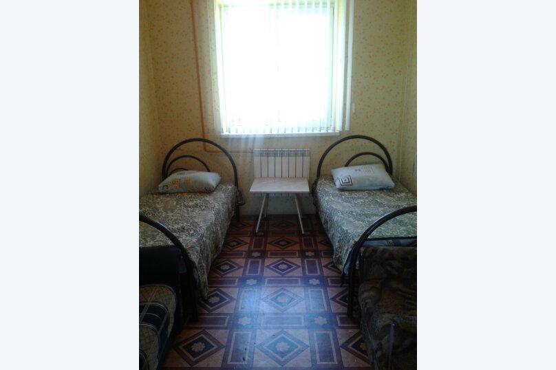 Гостиница 955376, улица Луначарского, 300 на 3 комнаты - Фотография 2
