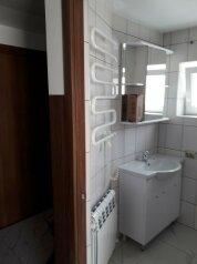 Дом для летнего отдыха для компании 3-8 человек, 72 кв.м. на 8 человек, 2 спальни, улица Павленко, 43А, Черноморское - Фотография 3