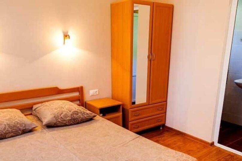 """Гостевой дом """"Дача в Гагре"""", Кабардинская улица, 133 на 4 комнаты - Фотография 11"""