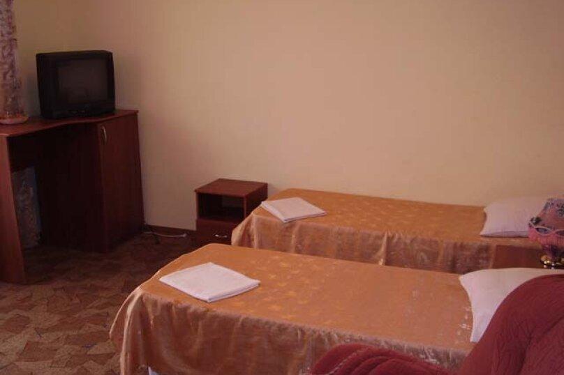 """Отель """"Престиж"""", улица Лазарева, 106А на 4 комнаты - Фотография 21"""