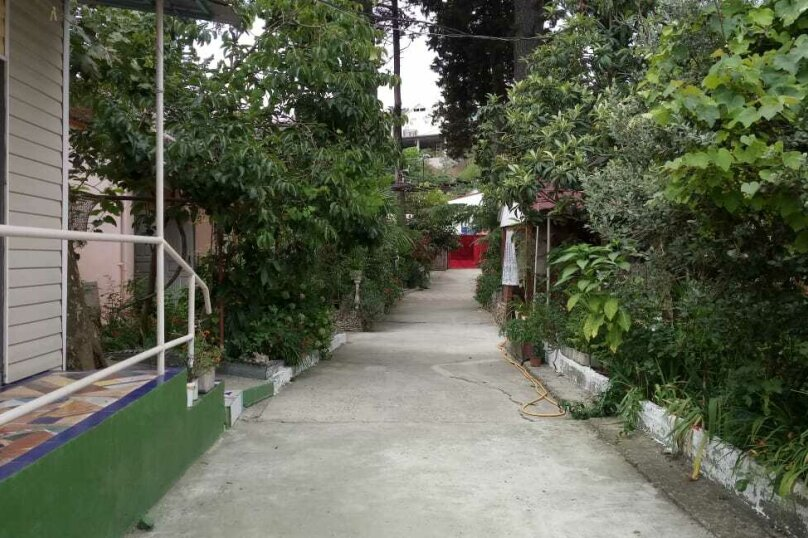 Гостиница 956252, улица Разина, 20 на 35 комнат - Фотография 1