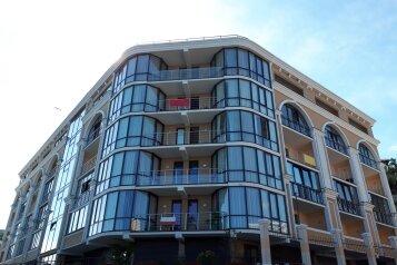 """Гостевой дом """"Сан-Марино"""", Виноградная улица, 22Г на 50 комнат - Фотография 1"""