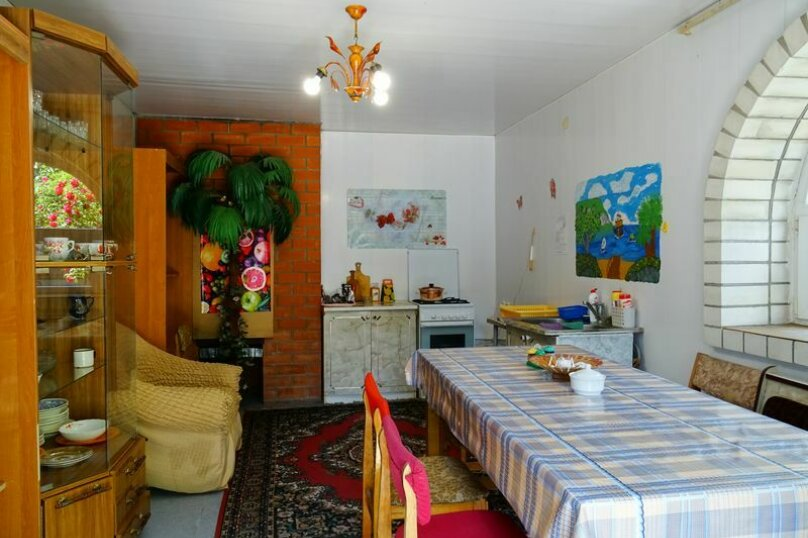 "Гостевой дом ""У Федора"", улица Куникова, 3 на 9 комнат - Фотография 12"