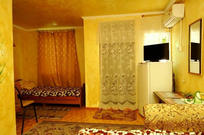 "Гостевой дом ""У Федора"", улица Куникова, 3 на 9 комнат - Фотография 31"