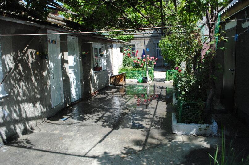 Двухкомнатный дом со двором, 80 кв.м. на 6 человек, 3 спальни, улица Шмидта, 22, Евпатория - Фотография 15
