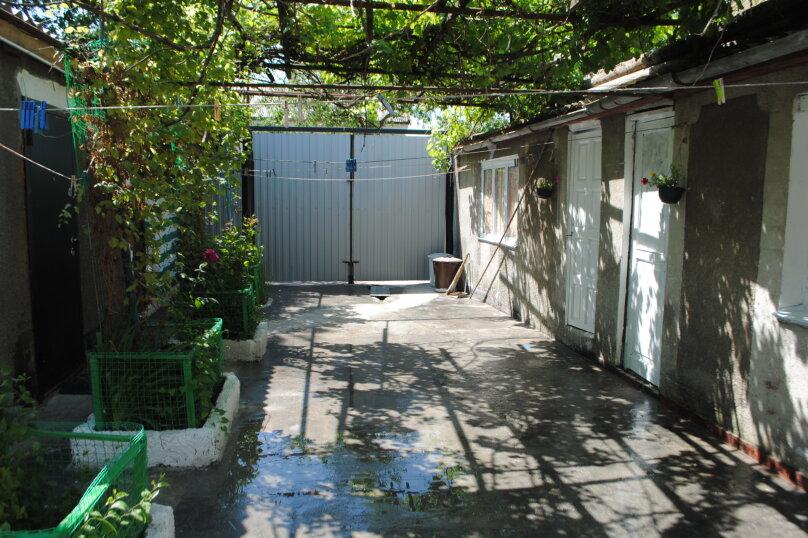 Двухкомнатный дом со двором, 80 кв.м. на 6 человек, 3 спальни, улица Шмидта, 22, Евпатория - Фотография 17