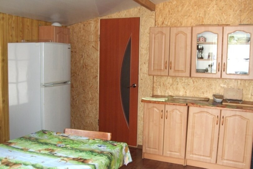Однокомнатные апартаменты №2, 3,  4, ,5  (2 этаж, кухня общая), улица Нахимова, 53, Феодосия - Фотография 12