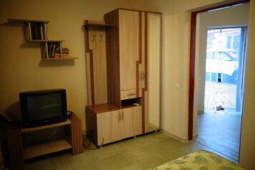 Дом, 23 кв.м. на 2 человека, 1 спальня, Мичурина, 22, Саки - Фотография 2