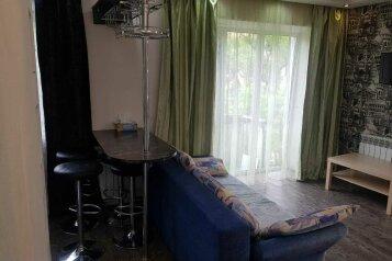 1-комн. квартира, 36 кв.м. на 4 человека, улица Калинина, 49, Владивосток - Фотография 1