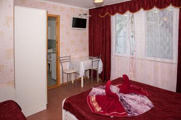 Дом, 50 кв.м. на 5 человек, 2 спальни, улица Островского, 24, Анапа - Фотография 1