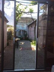Дом посуточно в Евпатории, 32 кв.м. на 4 человека, 2 спальни, улица Петриченко, 7, Евпатория - Фотография 2
