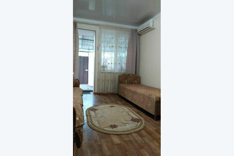 Сдам  дом в частном секторе, 25 кв.м. на 4 человека, 1 спальня, улица Кирова, 82, Евпатория - Фотография 19