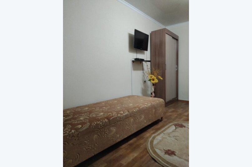 Сдам  дом в частном секторе, 25 кв.м. на 4 человека, 1 спальня, улица Кирова, 82, Евпатория - Фотография 24