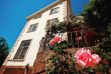 """Гостевой дом """"Домик у реки"""", Прибрежная улица, 1А на 11 комнат - Фотография 1"""
