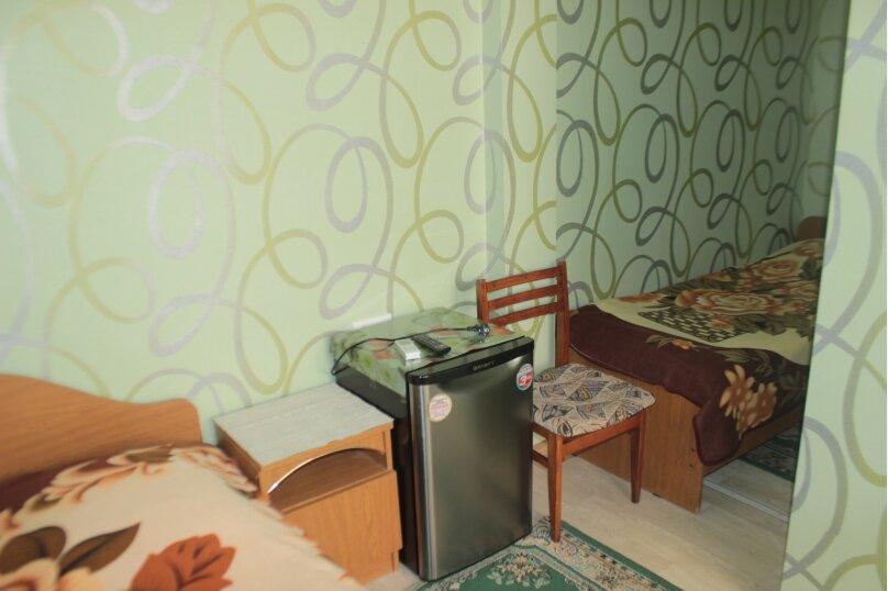 3-хместный номер с общим балконом на 1-ом этаже (в номере душ, туалет, кондиционер, телевизор, холодильник), улица Ленина, 221/12, Адлер - Фотография 16