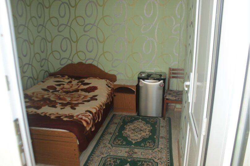 3-хместный номер с общим балконом на 1-ом этаже (в номере душ, туалет, кондиционер, телевизор, холодильник), улица Ленина, 221/12, Адлер - Фотография 29