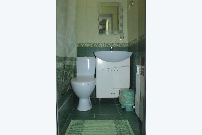 3-хместный номер с общим балконом на 1-ом этаже (в номере душ, туалет, кондиционер, телевизор, холодильник), улица Ленина, 221/12, Адлер - Фотография 30