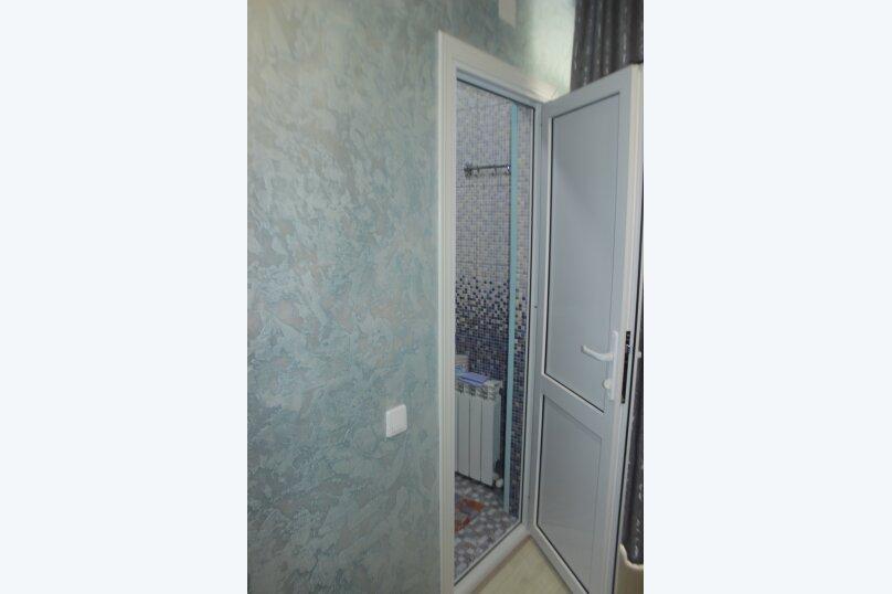 3-хместный номер с общим балконом на 1-ом этаже (в номере душ, туалет, кондиционер, телевизор, холодильник), улица Ленина, 221/12, Адлер - Фотография 42