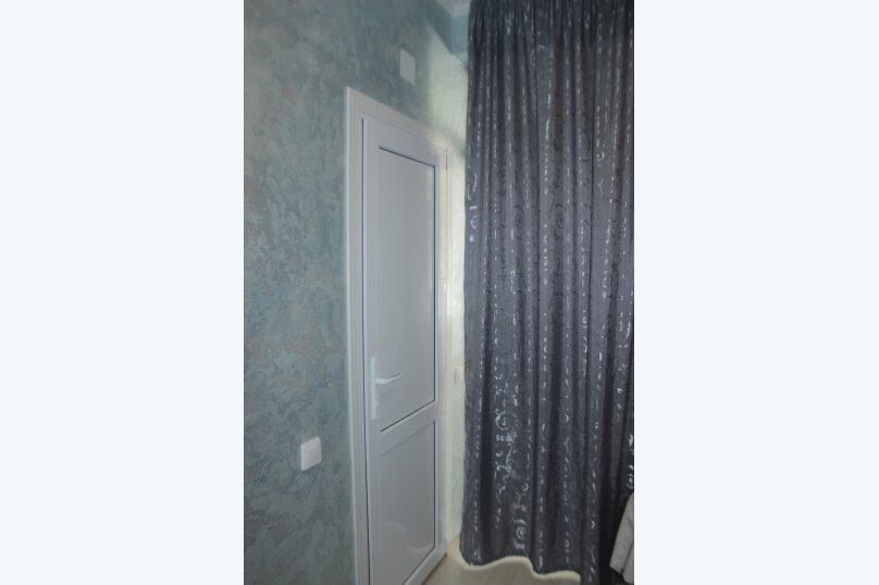 3-хместный номер с общим балконом на 1-ом этаже (в номере душ, туалет, кондиционер, телевизор, холодильник), улица Ленина, 221/12, Адлер - Фотография 43