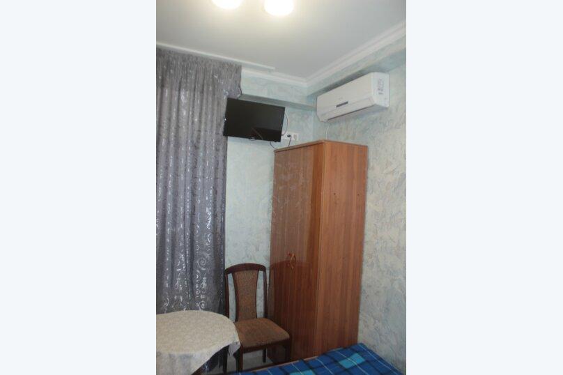 3-хместный номер с общим балконом на 1-ом этаже (в номере душ, туалет, кондиционер, телевизор, холодильник), улица Ленина, 221/12, Адлер - Фотография 44