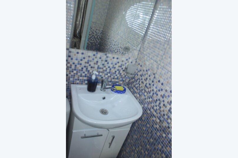 3-хместный номер с общим балконом на 1-ом этаже (в номере душ, туалет, кондиционер, телевизор, холодильник), улица Ленина, 221/12, Адлер - Фотография 52