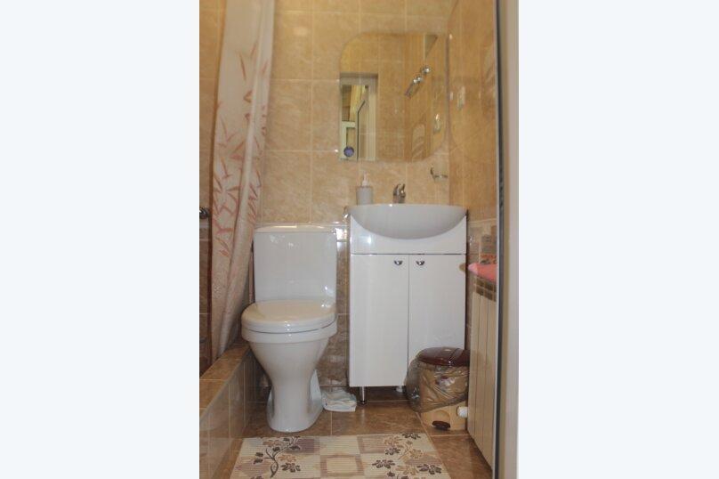 3-хместный номер с общим балконом на 1-ом этаже (в номере душ, туалет, кондиционер, телевизор, холодильник), улица Ленина, 221/12, Адлер - Фотография 54
