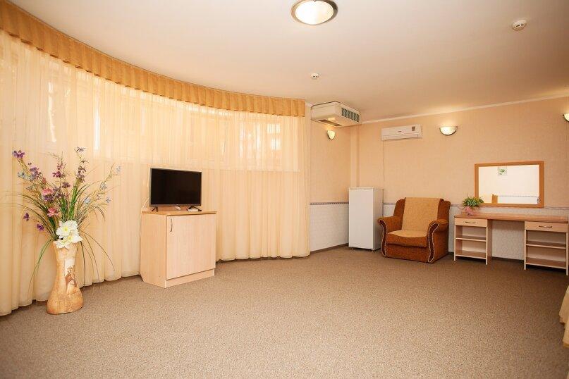 Стандартный семейный на 1 этаже, улица Луначарского, 133, Геленджик - Фотография 2