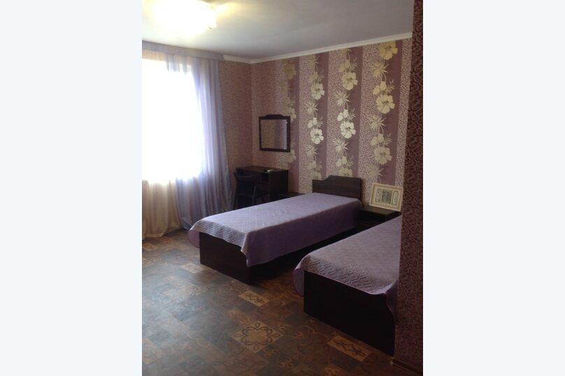 """Гостевой дом """"Южный"""", Курская улица, 4 на 6 комнат - Фотография 42"""