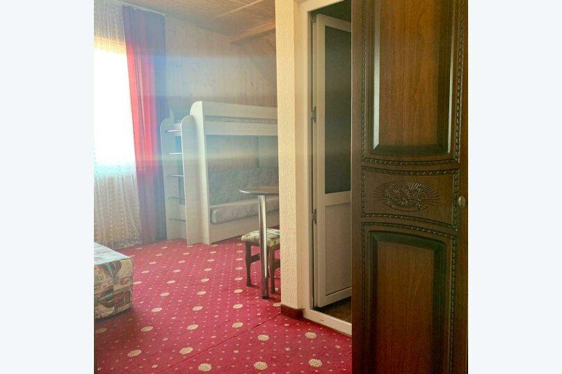 """Отель """"Кавказ"""", Янтарная улица, 7/1 на 8 номеров - Фотография 8"""