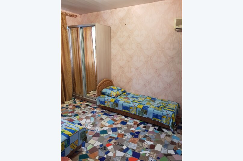 """Гостевой дом """"На 14 Апреля 15"""", улица 14 Апреля, 15 на 16 комнат - Фотография 37"""