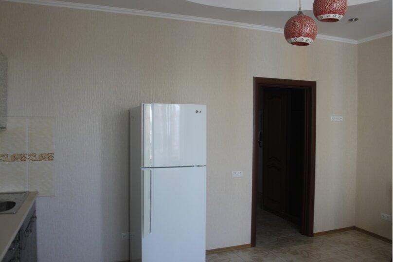 2-комн. квартира, 80 кв.м. на 6 человек, проспект Ленина, 49, Евпатория - Фотография 15