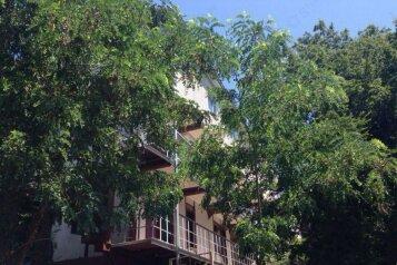 Гостевой дом, Квартал Мирный, 2 на 11 номеров - Фотография 1