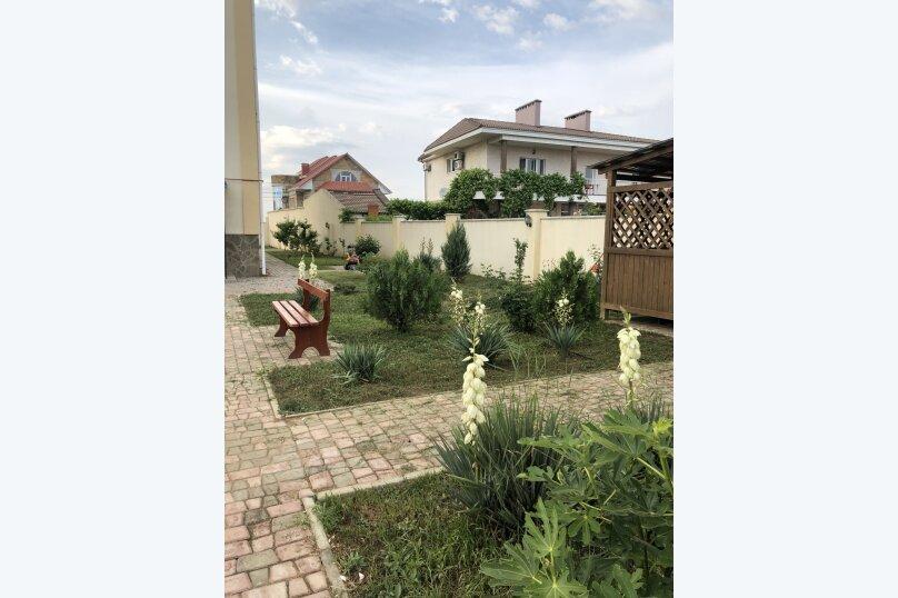 """Гостевой дом """"Курортный"""", Курортная, 15 на 12 комнат - Фотография 13"""