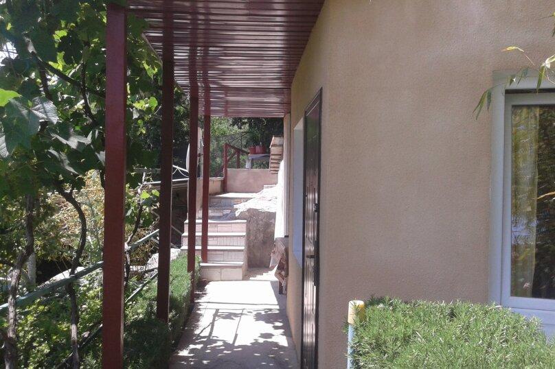 Гостевой домик  у моря Ч/С, 46 кв.м. на 4 человека, 2 спальни, Южнобережное шоссе, 36, Алупка - Фотография 23