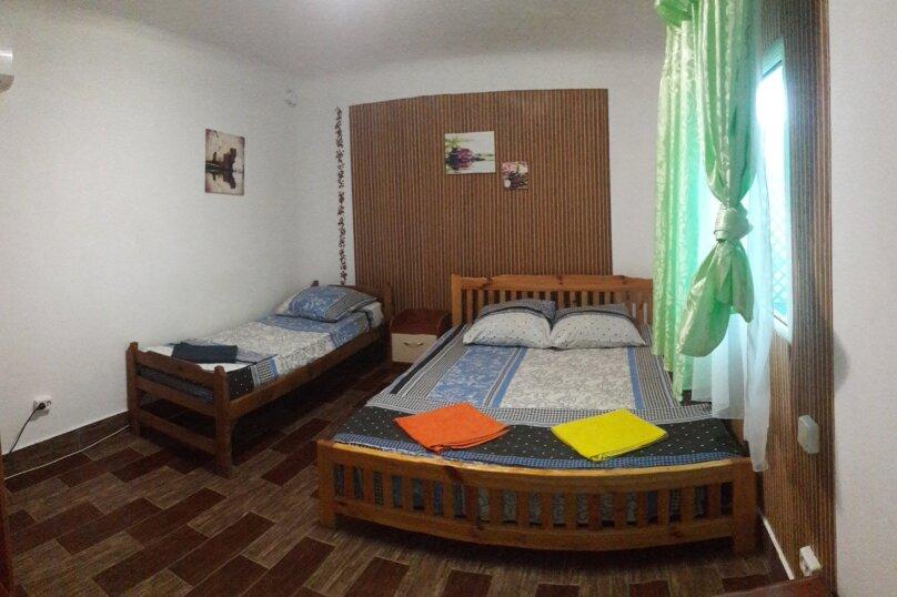 Трехместный комфорт, улица Ленина, 42А, Оленевка - Фотография 1
