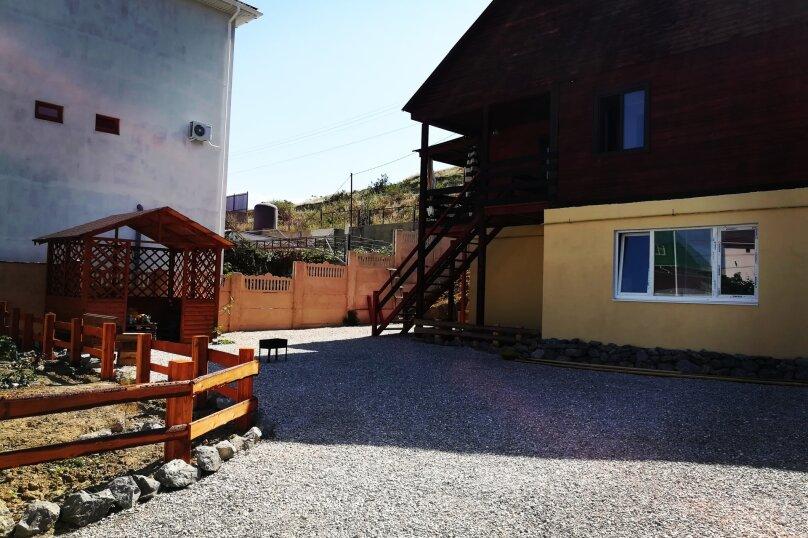 Дом, 70 кв.м. на 6 человек, 2 спальни, Таврическая, 70, Судак - Фотография 1