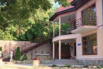 Дом, 240 кв.м. на 14 человек, 6 спален, Тенгинская улица, 8В, Лермонтово - Фотография 1