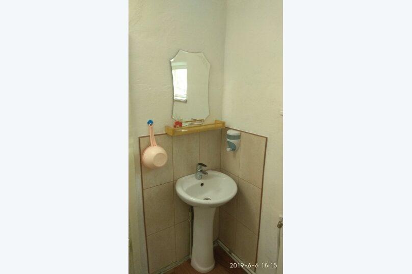 Частный дом под ключ со своим двором, 50 кв.м. на 5 человек, 2 спальни, Советская улица, 63, Феодосия - Фотография 2