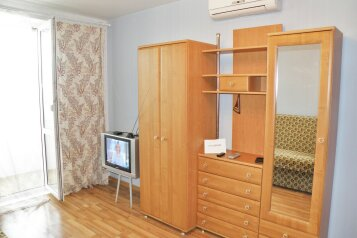 1-комн. квартира, 35 кв.м. на 4 человека, улица Богданова, 17, Севастополь - Фотография 1